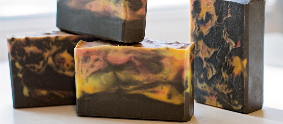 Making & Cutting Dragon's Blood Soap