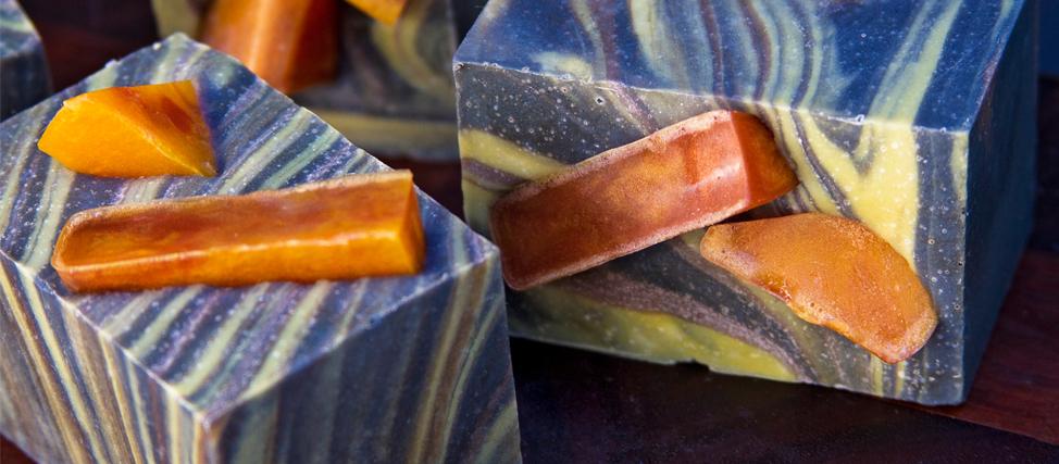 Making Tobacco Leaf Amber Soap