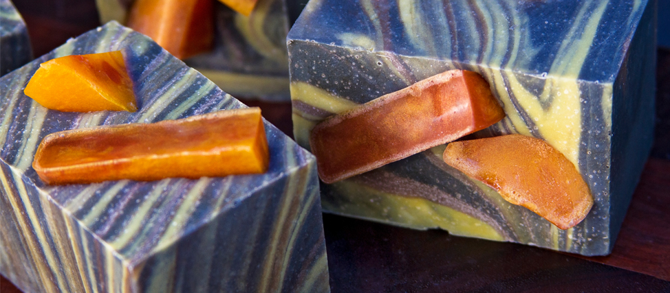 Making Tobacco Leaf Amber Soap